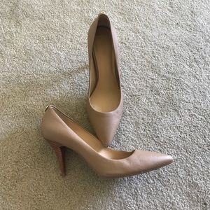 Michael Kors Shoes - Michael Kors Tan Heels